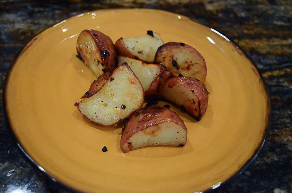 Lemon and Garlic Roasted Potatoes-15.jpg