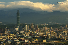 101 ( ) Tags: light sunset mountain night airplane temple airport scenery cityscape taiwan 101  taipei taipei101      2012    101