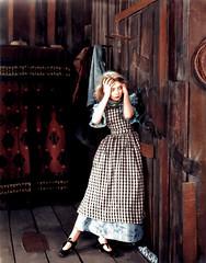 Gish (Nymphaeum) Tags: woman digital vintage movie mujer silent cine colorized hollywood rubia movies digitalphoto actriz lilliangish silentmovies thewind