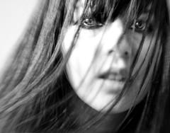 El nombre de la luz (Miss Aster) Tags: portrait woman selfportrait blancoynegro mujer bn ligth autorretrato xperiment blackwhitephotos proyecto52detalles