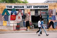 emporium (mamuangsuk) Tags: emporium clothingshop colorfulshop indiastreetphotography mamuangsuk indianartemporium