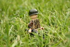 British Paratrooper WWII (2) (zalbaar) Tags: world 2 war lego wwii camouflage ww2 british minifig sten airborne customs paratrooper zalbaar