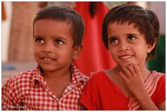 IMG_9987.jpg (f.slezak) Tags: travel girls people woman india girl smile face asia village karnataka hindu hinduism hindi badami southindia portriats indiansubcontinent