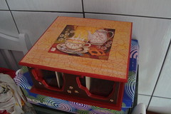Caixa de chá (Atelier Sah Art`s) Tags: vermelho caixa marrom chá craquelê
