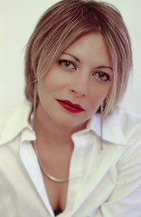 Claudia Zorzin - Kodak E100VS - Ciaralli - 013 (joeanty) Tags: film kodak claudia filmcamera kodake100vs e100vs epsonperfectionphoto4490 ciaralli ritrattodestate