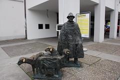 Lucerne - Bronze Shepherd Sculpture Luzern Theater Theaterstrasse (Le Monde1) Tags: sculpture bronze switzerland town nikon theater shepherd luzern altstadt lucerne canton vierwaldstttersee swissalps lakelucerne d60 riverreuss theaterstrasse lemonde1