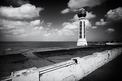 Lido Sands (scarlet-pimp) Tags: margate england monochrome blackandwhite tower greatbritain nikcollection architecture mono silverefexpro2 kent lido thanet
