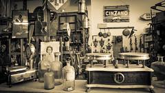 Vintage (Giobbanni79) Tags: vintage vecchio collezionismo usato used peoples bn seppia sephia old italy italia rigattiere