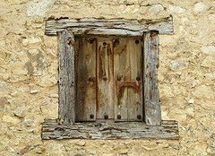 A timber-framed window, Pedraza, Spain (Hunky Punk) Tags: frame timber timbered wall stone village medieval pedraza castile castilla lon spain shutter