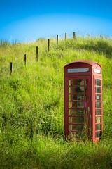 UK - Scotland - Cairngorms National Park (Marcial Bernabeu) Tags: telfono telefono cabina telefonica telefnica telephone phone box booth red rojo roja country campo marcial bernabeu bernabu uk united kingdom unitedkingdom greatbritain reino unido reinounido granbretaa scotland escocia parque nacional national park cairngorms