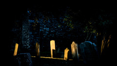 Abandoned Souls (Quentin D'hont) Tags: rye sussex england angleterre church eglise cemetery cimetire tomb tombe death mort soul ame creepy dark shadows whisper clair obscure canon 750d