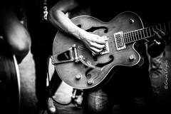 sound (cinzia.virgilio) Tags: guitar chitarra chitarrista artista di strada artist street arts musica music sound jazz rock