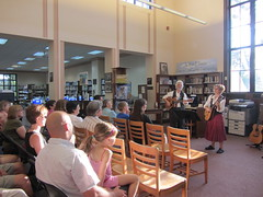 7/31 Irish Jig (DeKalb Public Library) Tags: music irish celtic folkmusic smallpotatoes irishjig