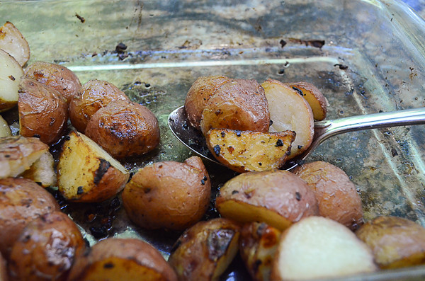 Lemon and Garlic Roasted Potatoes-14.jpg