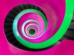 Aus dem Grnen (Philipp Gtze) Tags: pink architecture spiral stair library magenta treppe escalera staircase architektur grn cottbus escalier stufen ikmz btu treppenhaus wendeltreppe