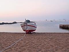 I la barca est sola (queropere) Tags: mar barca matinada solitud calelladepalafrugell sfg queropere serenor neguit companyonia zd1260mmf2840 e620olympus