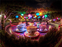 "Mad Tea Party - Empty Teacups - Disneyland • <a style=""font-size:0.8em;"" href=""http://www.flickr.com/photos/85864407@N08/7996900221/"" target=""_blank"">View on Flickr</a>"