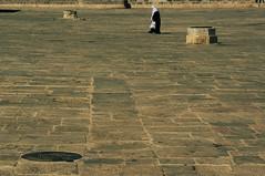Al-Haram Al-Quds Ash-Sharf (bebo82) Tags: woman temple person persona donna pentax jerusalem mount gerusalemme moschee spianata pentaxk20d pentaxk20