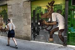 Caperucita (Nicols Rosell) Tags: barcelona catalunya catalonia espaa spain europe europa person persona urban urbana street calle ciudad city nikon nikond7100 d7100