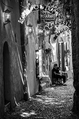Having a break (Luisen Rodrigo) Tags: rodos oldtown rhodes workbreak