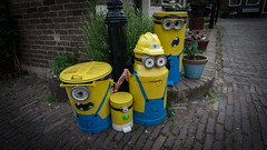 Minions & Co (chris zeib) Tags: netherlands volendam sony emount europe european 1018