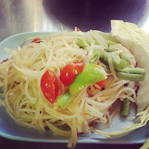 Pok pok papaya salad