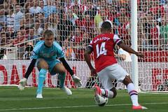 Simon Mignolet & Theo Walcott (Ronnie Macdonald) Tags: emirates futbol arsenal gooners sunderlandafc theowalcott ronmacphotos barclayspremierleague simonmignolet