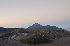 Sunrise at Mount Bromo (Boon55) Tags: mountain mountains sunrise indonesia volcano craters crater sunrises soe bromo volcanos mountbromo me2youphotographylevel1