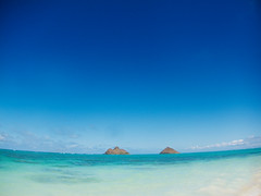 lanikai (mrt0o) Tags: blue beach canon landscape hawaii nice ハワイ pointandshoot 海 青 lanikai s90 美しい きれい ラニカイ colorphotoaward canons90 ナイス