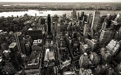 New York city (Philippe Lejeanvre - ) Tags: city nyc newyorkcity sunset blackandwhite usa buildings nikon noiretblanc manhattan empirestatebuilding hudson ville haut hauteur amrique 2011 vuearienne mgapole philippelejeanvre