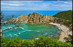 Playa del Silencio (guillenperez) Tags: espaa beach spain asturias playa cliffs silence cudillero silencio principado acantilados principality gaviero gavieru