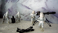 "Battle of Hoth diorama - imperial troops with tri-pod gun from the side • <a style=""font-size:0.8em;"" href=""http://www.flickr.com/photos/86825788@N06/7949257358/"" target=""_blank"">View on Flickr</a>"