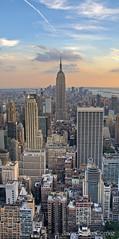 Empire State atardecer (Javier Surez Gmez (javisuarezgomez@gmail.com)) Tags: nyc travel newyork nikon manhattan viajes hdr topoftherock nuevayork d300 empirestatebuliding javiersurezgmez