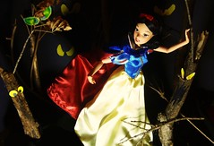 Snow White in the Forest (AaronMalibu) Tags: classic halloween forest scary doll princess 10 barbie evil disney haunted queen collection ten disneystore 1937 blancanieves snowwhiteandthesevendwarfs 2011