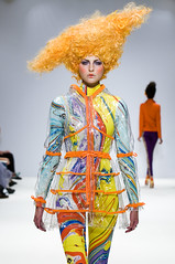 LFW: Carlotta Actis Barone (ovofrito) Tags: london colors fashion neon bright clothes wig week runway lfw catwalk barone carlotta actis