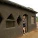 Dani visitando a casa de Zulus