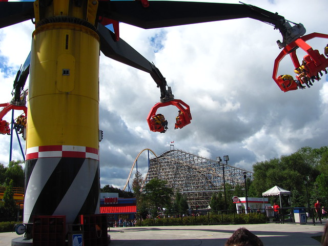 "Canada's Wonderland 024 • <a style=""font-size:0.8em;"" href=""http://www.flickr.com/photos/32916425@N04/7998192090/"" target=""_blank"">View on Flickr</a>"