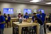 Apple abre en Rio Shopping Valladolid (Óscar Morán) Tags: apple store applestore valladolid apertura rioshopping