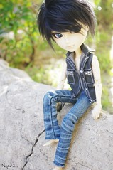 Kaito (Nanou~) Tags: black hair fur outside doll noir bokeh wig groove custom custo kaito fourrure perruque noire dehors cheveux shion noires noirs taeyang vocaloid customis