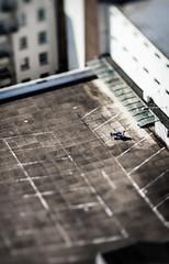 Sonne auf dem Parkdeck (Oliver.Staesche) Tags: sonne geniesen enjoy sun roof deck parkdeck parkhaus entspannen relax