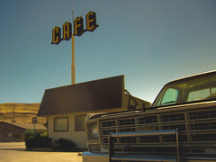five and dimer (Jo-H) Tags: rufus oregon cafe pickup truck vintage retro americanwest