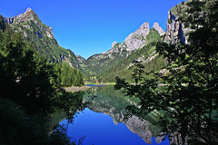 Lake (Campanero Rumbero) Tags: aigle switzerland suiza day dia travel turismo trip nature naturaleza natural lake lago summer verano beauty bello montaas paisaje landscape