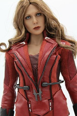 Hot Toy's Scarlet Witch (kengofett) Tags: hot toys scarlet witch wanda maximoff 16 female figure