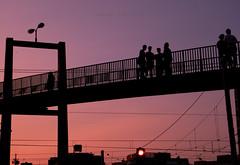 Hablar entre lneas (Ikaria2) Tags: exterior outside puente bridge colores colours sky cielo lneas lines atardecer sunset crepsculo twilight dusk