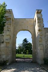 Château de Roissy 2 (Roissy Tourisme) Tags: château roissy ruines vestiges révolutionfrançaise seigneurs