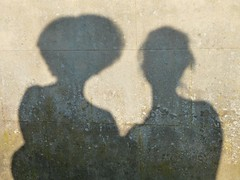 Siamese (la Ezwa) Tags: shadow woman selfportrait autoportrait belgium belgique femme belgië ombre 2011 ezwa