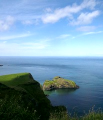 Carrick-a-rede rope bridge (PhotographNI - David Milligan) Tags: unitedkingdom atlantic northernireland countyantrim antrim carrickarede bythesea northantrimcoast antrimcoastroad picturesofireland photographsofireland photographni untiligetitright