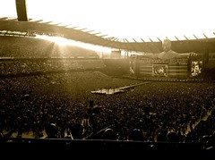 Take That:  Manchester - not a shabby turnout. (essjaie) Tags: manchester progress robbiewilliams photostream markowen garybarlow takethat 2011 jasonorange howarddonald progresslivetour