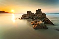 Balcobo beach (FranqPhoto) Tags: sunset black beach nikon corua d2x sigma galicia card 1020 arteixo nd8 balcobo