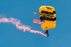 DSC_7846 (CEGPhotography) Tags: nikon cegphotography atlanticcity newjersey nj ac atlanticcityairshow 2016 thunderovertheboardwalk aviation flight sky usarmygoldenknights goldenknights parachutedemotemo parachute